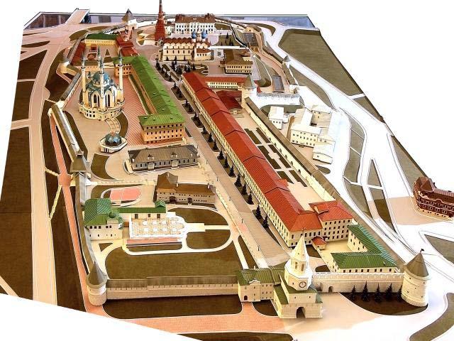 Специально для Вас сделал наглядный маршрут по Кремлю на макете.  Спасская башня - главная башня Казанского Кремля.